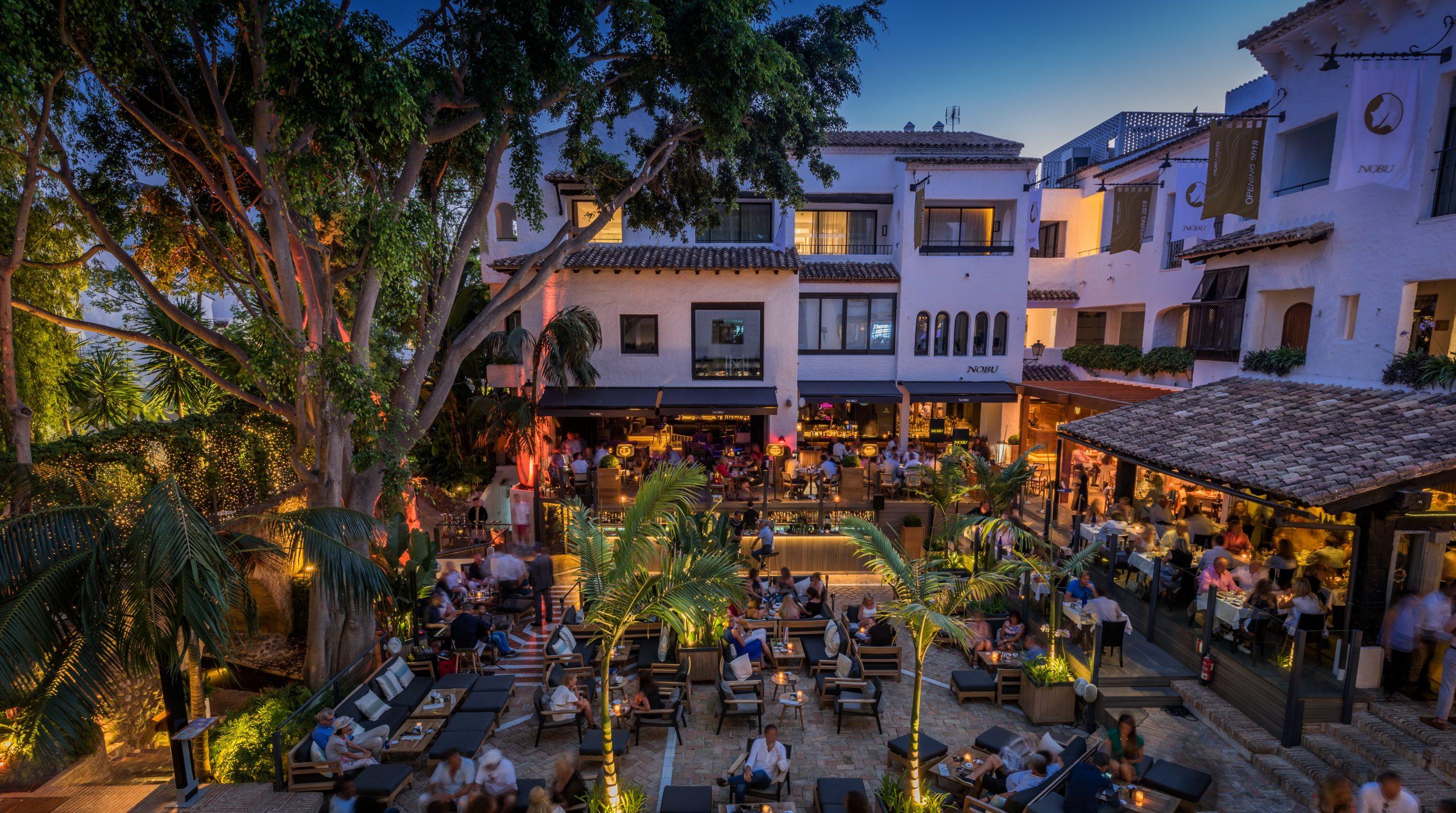 La_Plaza_Night_Puente_Romano_Marbella